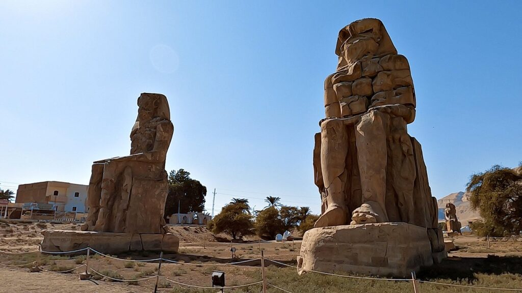 ägypten-luxor-memnonkolosse-2