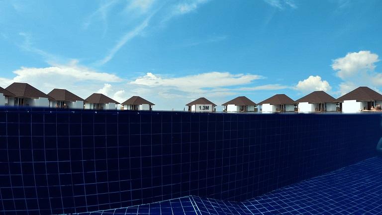 ellaidhoo-pool