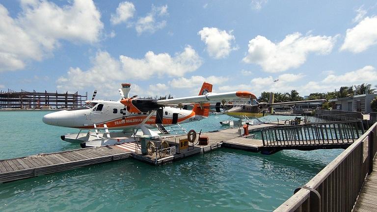 malediven-wasserflugzeug-flughafen