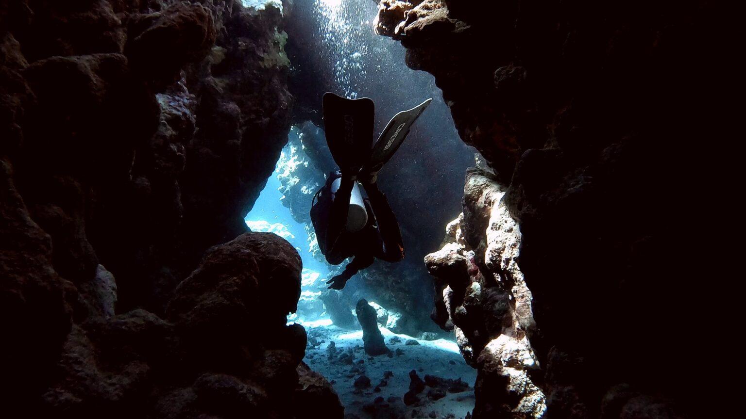 tauchen-ägypten-höhle