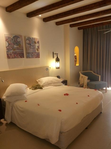 Ägypten-Marsa-Alam-Abu-Dabbab-Hilton-Nubian-Hotel-Zimmer-Bett