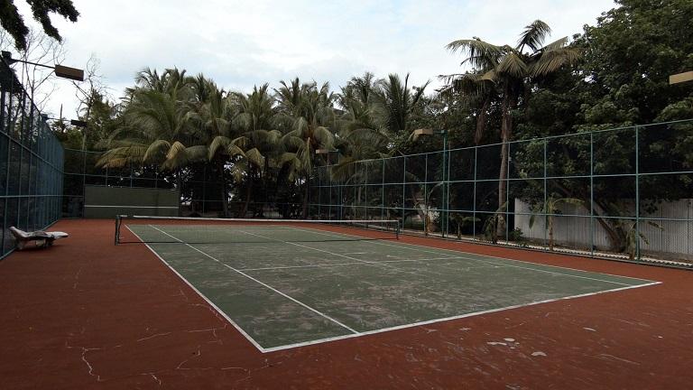 malediven-ellaidhoo-tennisplatz